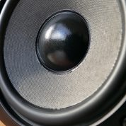 Choose the best humongous speakers to get the bass effect